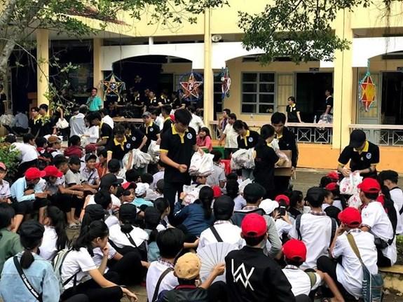 Sinh viên Văn hóa kết nối trái tim