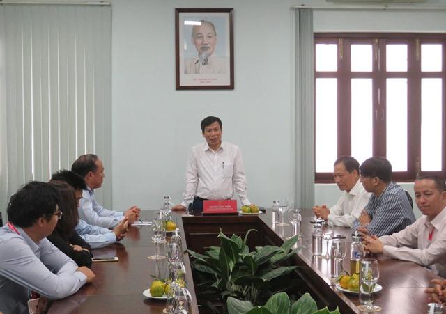 Bộ trưởng Bộ Văn hóa, Thể thao và Du lịch Nguyễn Ngọc Thiện đến thăm và làm việc với Trường Đại học Văn hóa TP. Hồ Chí Minh trong ngày đầu năm mới 2020
