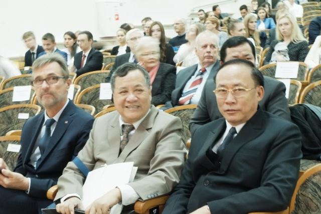 Đoàn đại biểu Trường Đại học Văn Hóa TP. Hồ Chí Minh thăm và làm việc với Trường Đại học Tổng hợp Zielona Góra – Ba Lan
