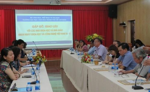 Gặp gỡ, giao lưu với các nhà khoa học và nhà giáo nhân ngày Khoa học và Công nghệ Việt Nam 18-5.
