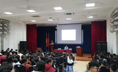 Trường Đại học Văn hóa TP. Hồ Chí Minh tổ chức phiên họp giao ban giữa lãnh đạo nhà trường với đại diện sinh viên các lớp chính quy