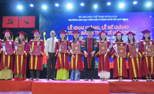 Lễ khai giảng, bế giảng và trao bằng tốt nghiệp thạc sĩ ngành Quản lý Văn hóa, Văn hóa học và Khoa học Thư viện năm 2020