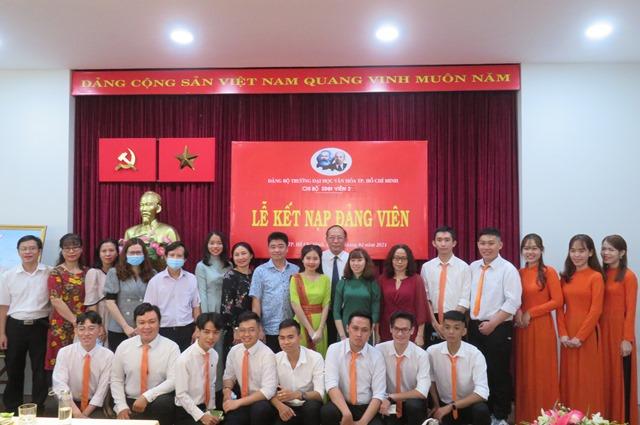 Lễ kết nạp đảng viên mới và Họp mặt kỷ niệm 91 năm ngày thành lập Đảng Cộng sản Việt Nam.